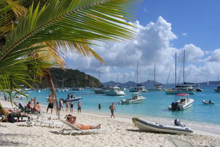 White Bay jost van Dyke - Ship O´høj eksotiske sejlerrejser i Caribien